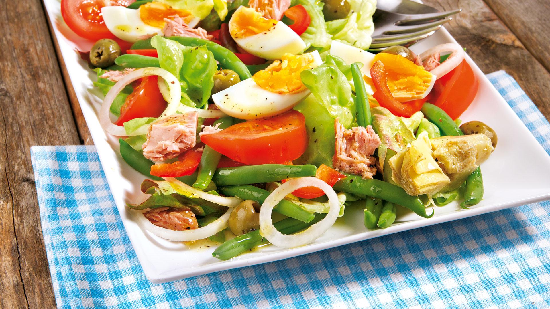 Salat thunfisch artischocken