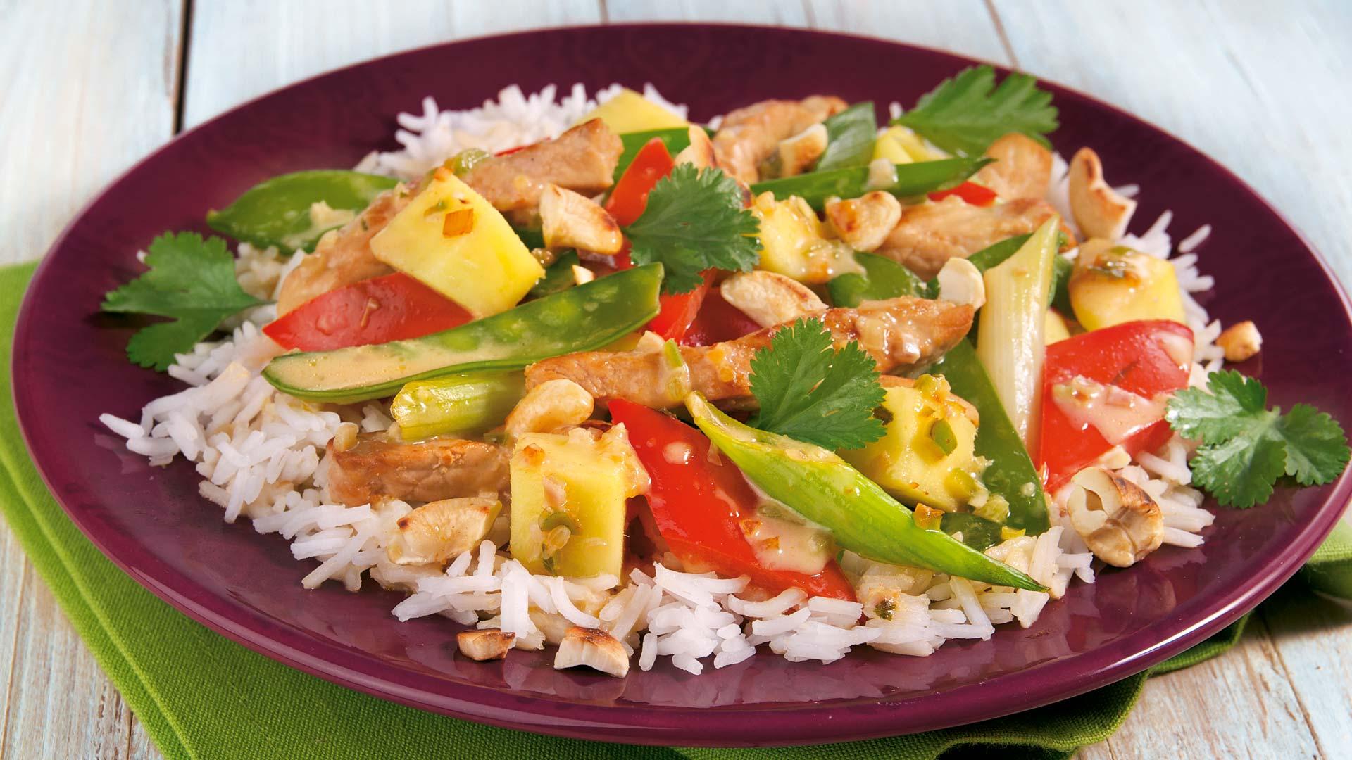 Thai Curry Mit Frischer Mango Auf Basmatireis Rezept Tegut