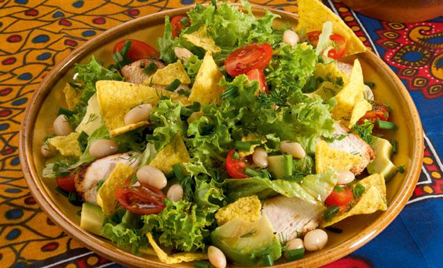 mexikanischer salat mit avocado und tortilla chips rezept tegut. Black Bedroom Furniture Sets. Home Design Ideas